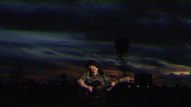 "Photo of Samantha Crain ""Holding To The Edge of Night"""